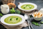 Potage brocoli courgette aux noisettes